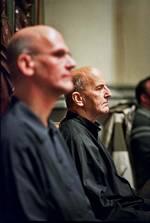 László Heltay zit naast Johan Duijck